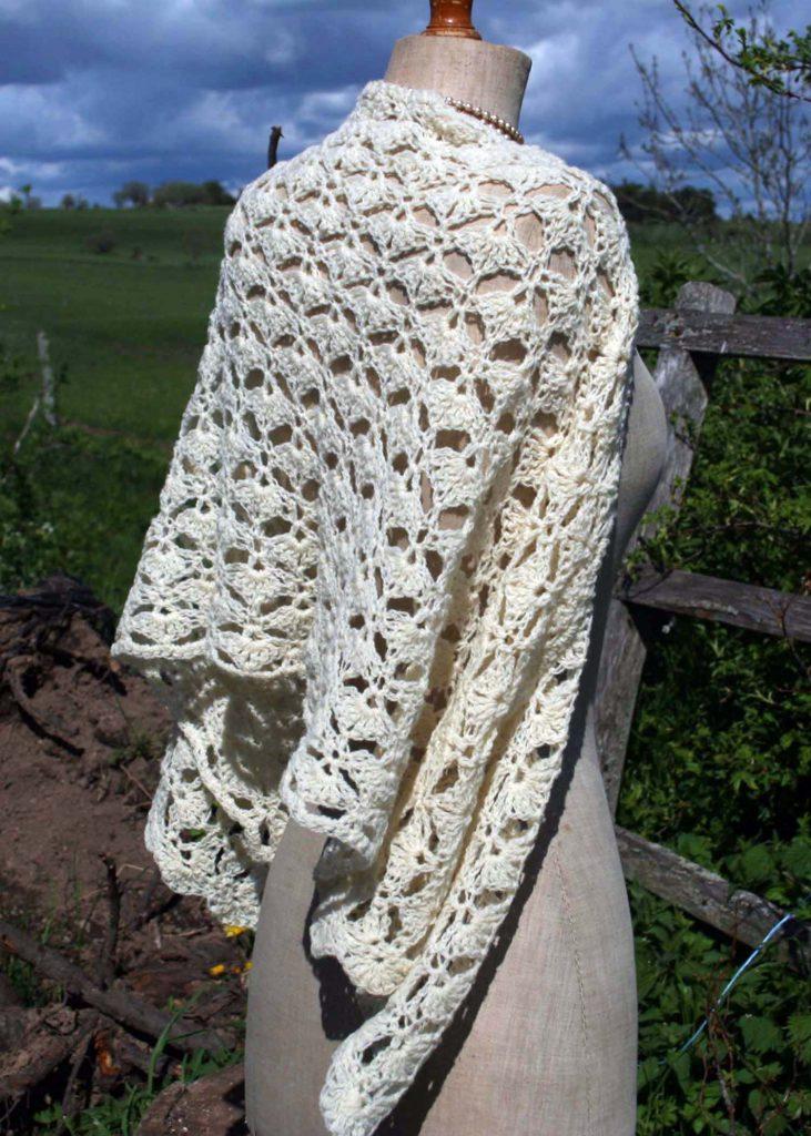 étole vintage en laine au crochet
